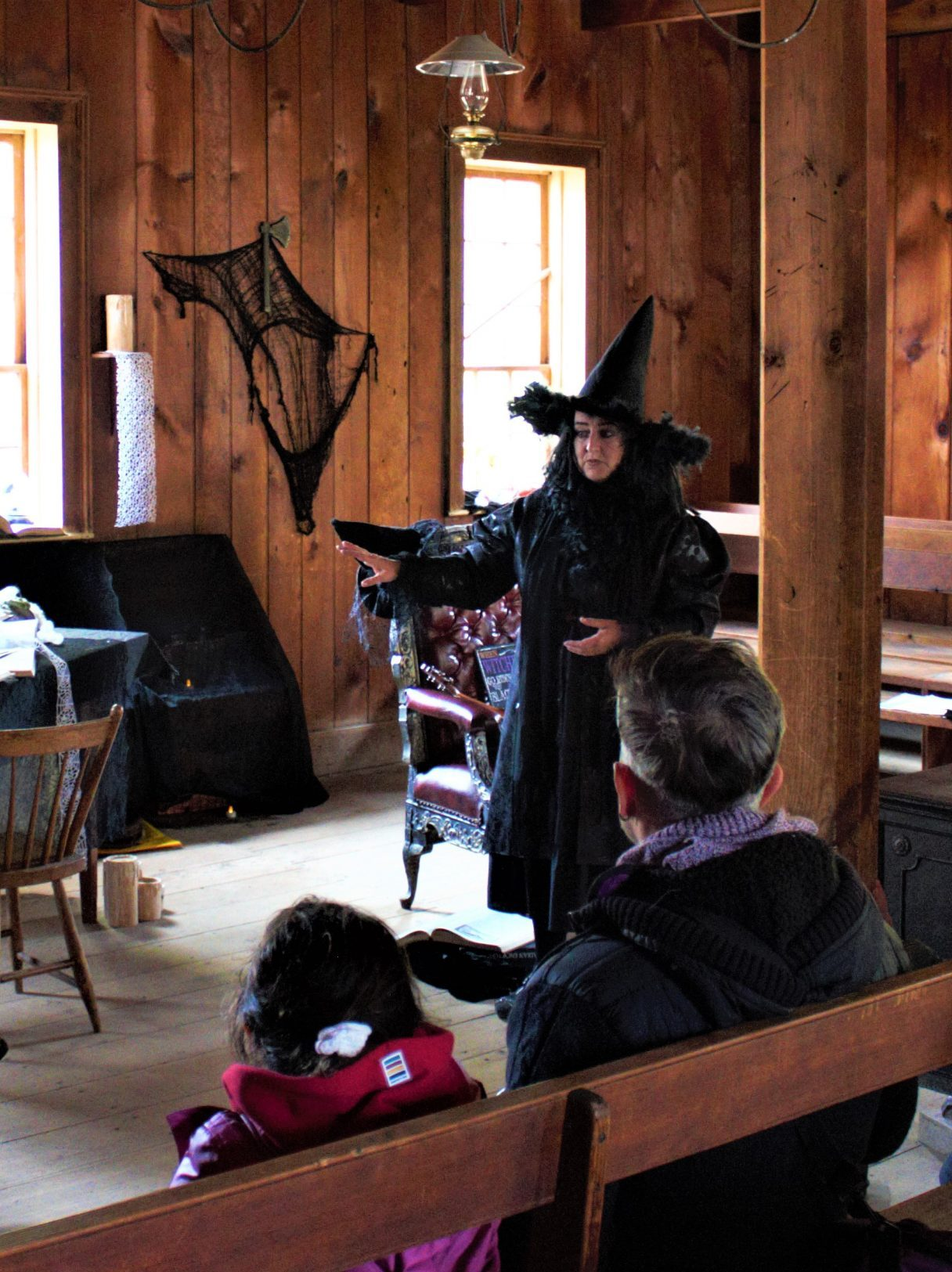 A witch telling stories