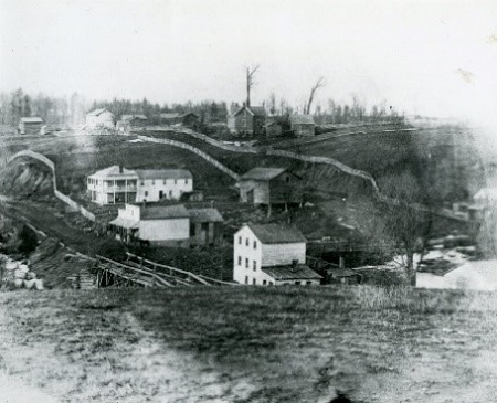archival-photograph-of-Village-of-Laskay