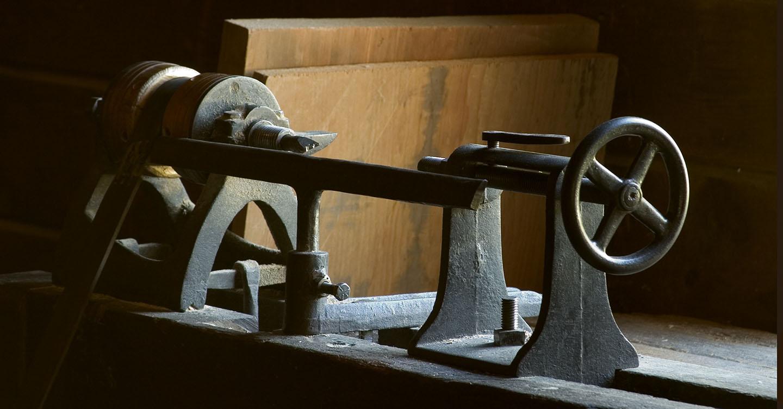 a cabinet maker's lathe